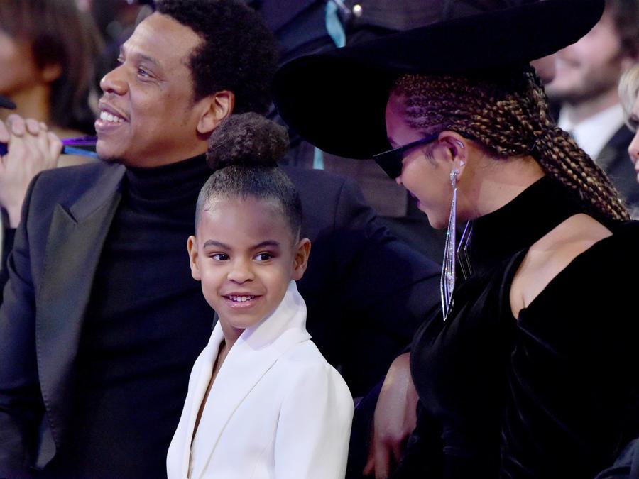Blue Ivy con sus papás en los Grammys 2018