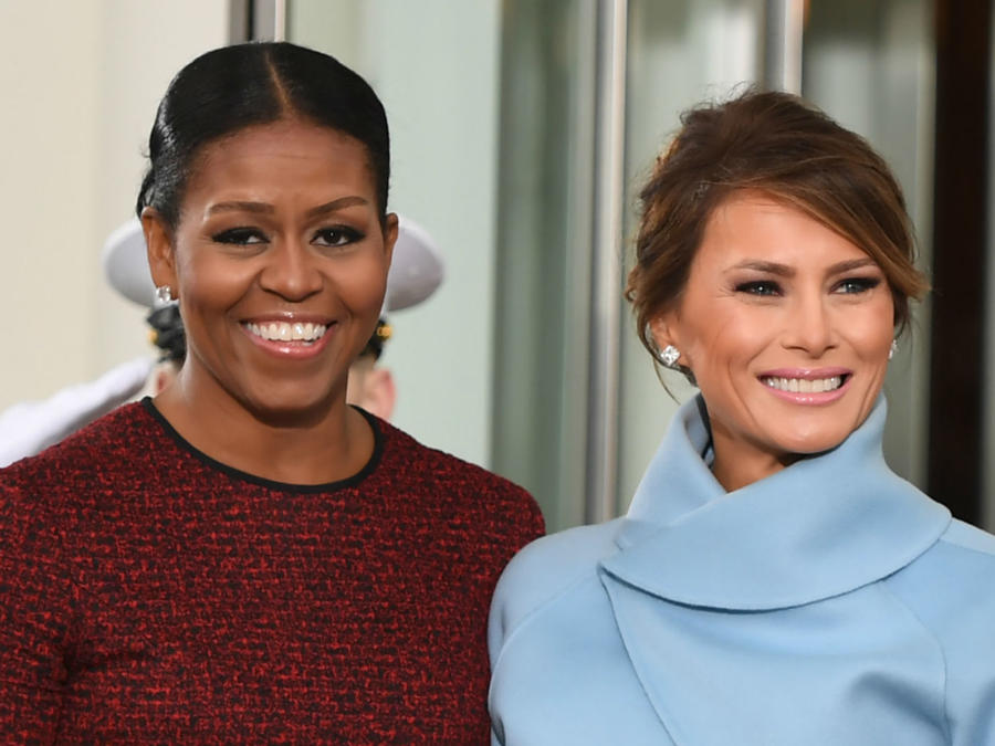 Melania Trump junto a Michelle Obama