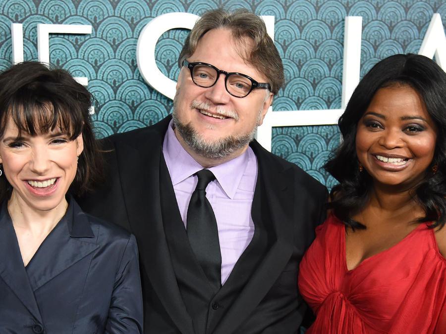 "Guillermo del Toro y elenco de ""The Shape of Water"""