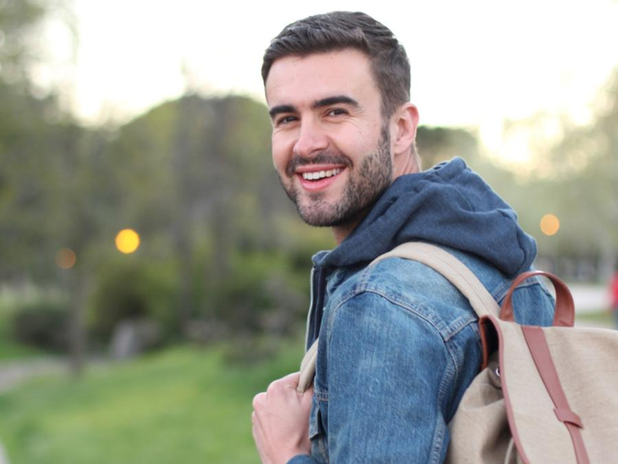 Estudiante con mochila