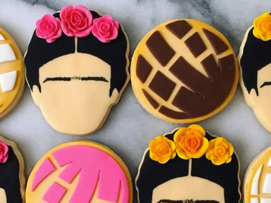 Frida Kahlo and concha cookies by Alicia de las Delicias.