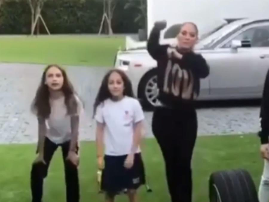 Jennifer Lopez con Emme y las hijas de Alex Rodriguez