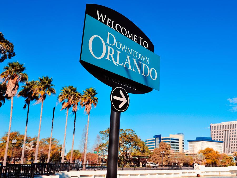 Cartel de bienvenida a Orlando