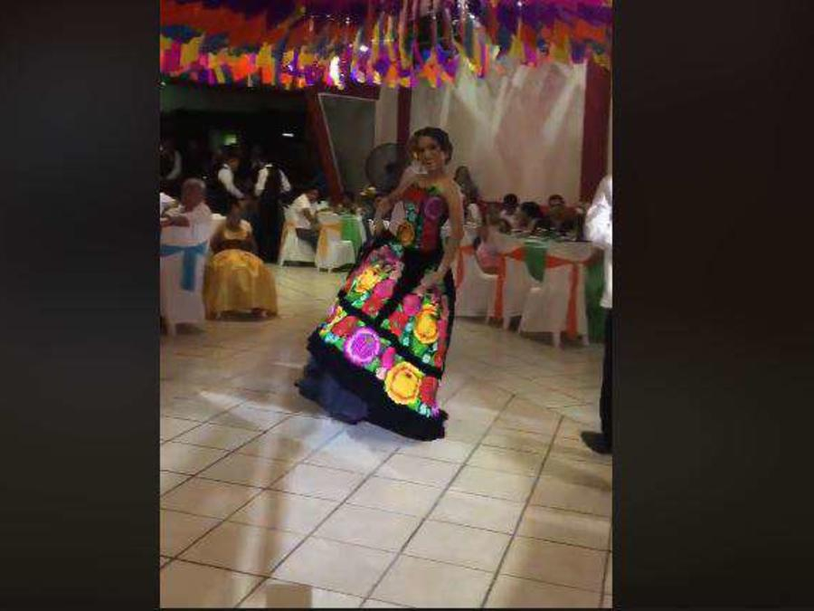 Fiesta de XV años en México rompe con los estereotipos