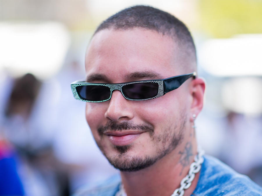 jbalvin-en-paris-fashion-week