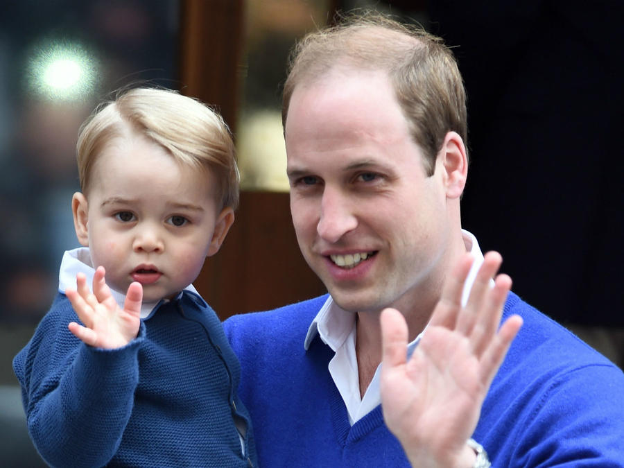 Príncipe George con su papá el príncipe William