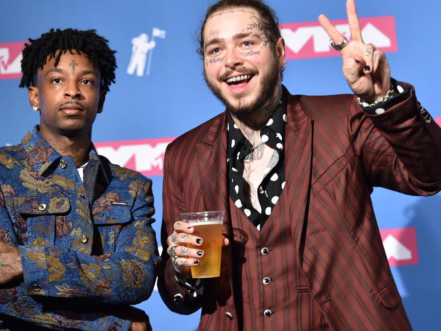 Rapero Post Malone en la recogida de premio MTV