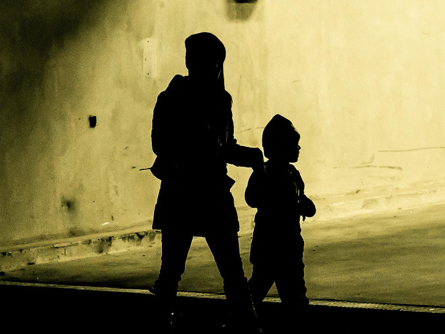 Critican a madre por la lección que dio a hijo acosador