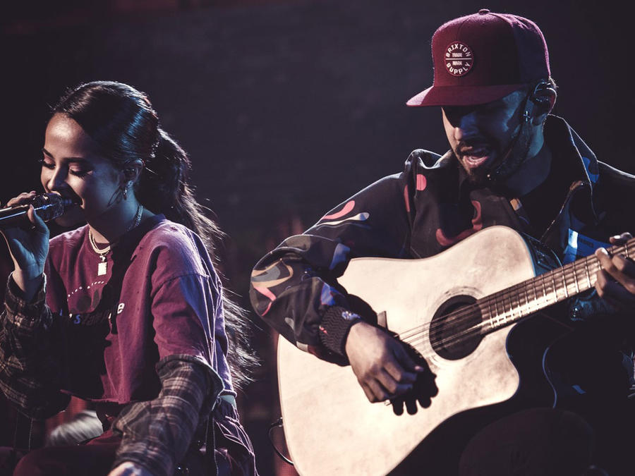 Becky G y Joss Favela ensayo Latin AMAs 2018