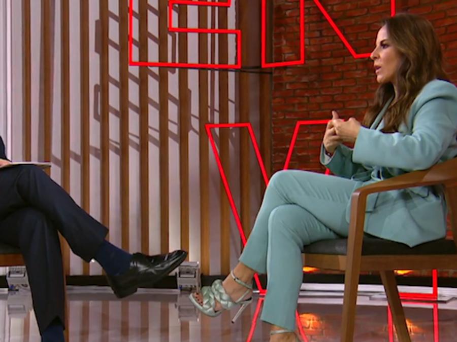 La actriz mexicana Kate del Castilla en entrevista exclusiva con el conductor de Noticias Telemundo, José Díaz-Balart