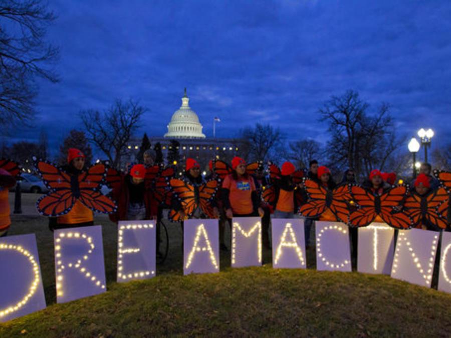 """Varios jóvenes participan el pasado enero en una protesta en Washington D.C. en apoyo a los """"dreamers""""."""