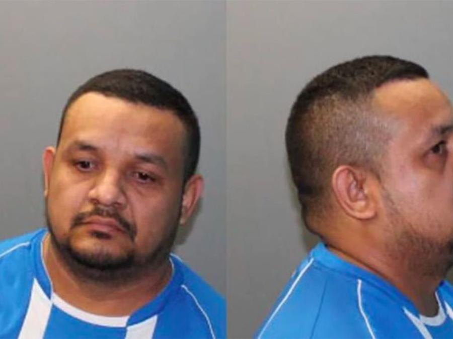 José Arévalo Ávalo arrestado por manosear cliente