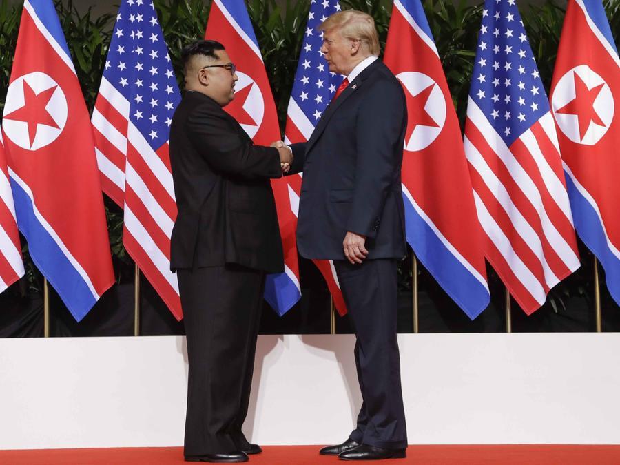 El presidente Trump y Kim Jong Un durante una cumbre en Singapur en junio de 2018
