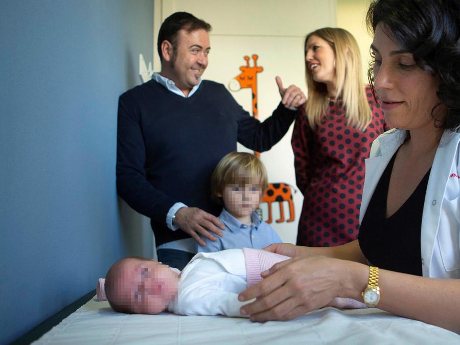 María, primera bebé del mundo operada con éxito de una ablación cardíaca