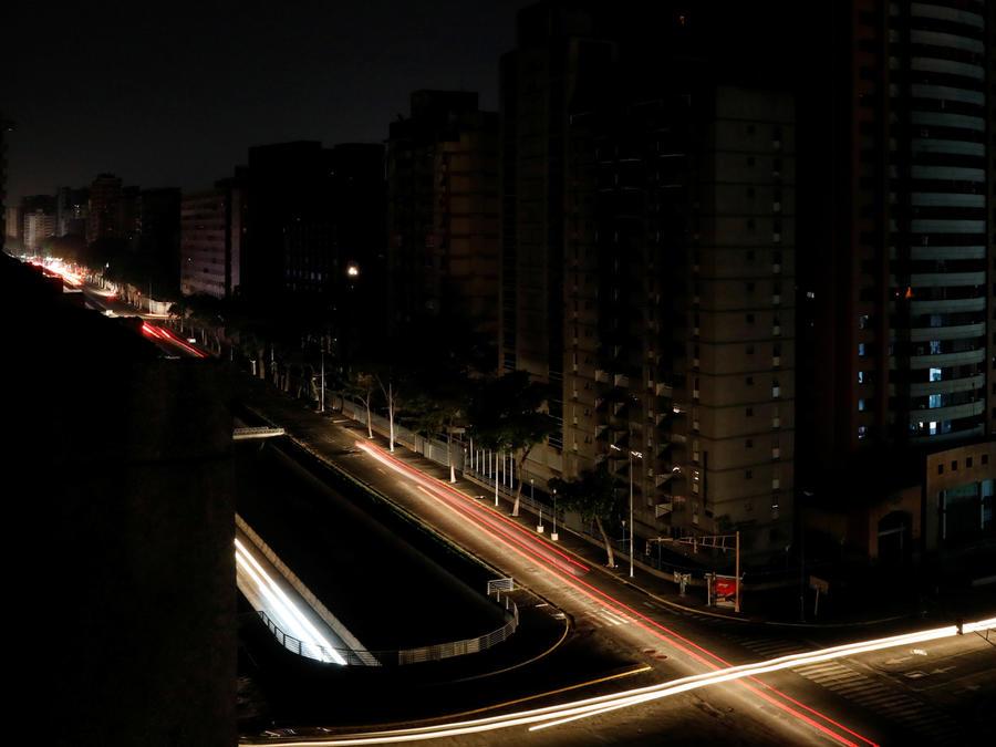 Caracas sin luz una nueva noche