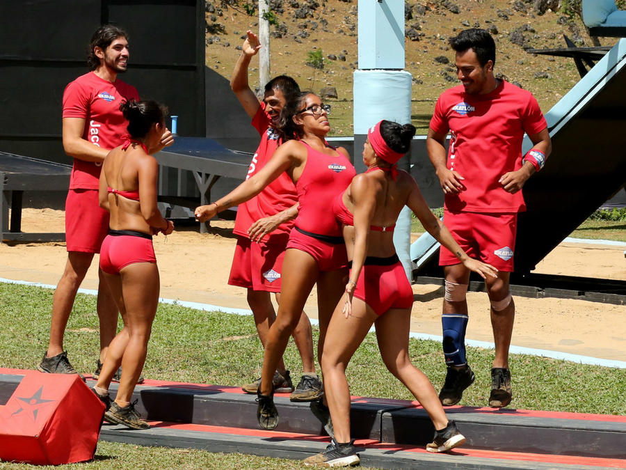 Team Famsosos celebrando