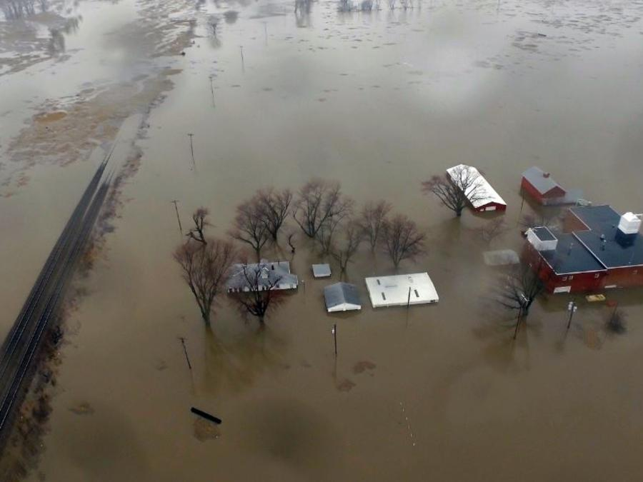 Inundaciones este 19 de marzo a lo largo del río Missouri en Pacific Junction, Iowa.
