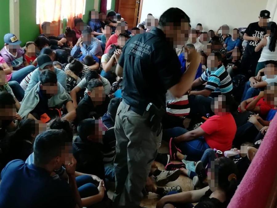 Rescatan en México a 227 centroamericanos en una casa del municipio Ecatepec.
