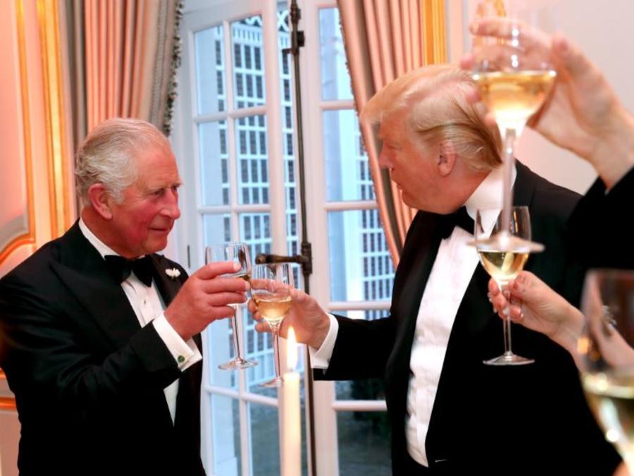 El presidente de los Estados Unidos, Donald Trump, y el príncipe Carlos este martes en una cena en Winfield House.