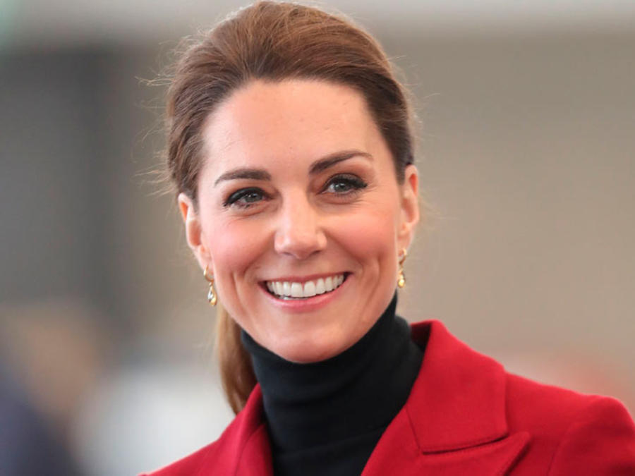 Kate Middleton con saco rojo