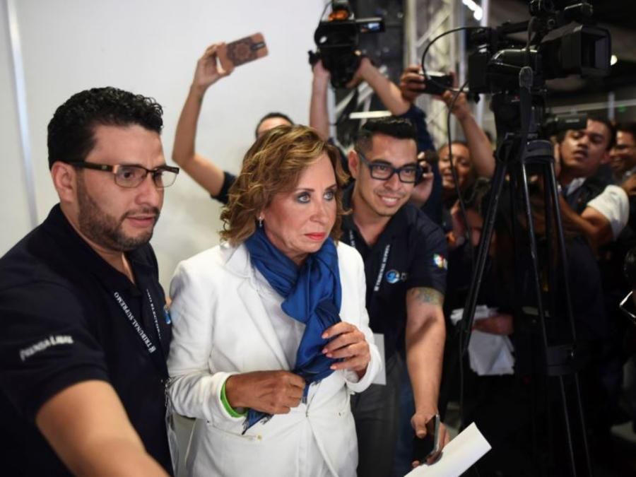 La socialdemócrata y exprimera dama de Guatemala, Sandra Torres, se perfila como ganadora de la primera vuelta de las elecciones del país.