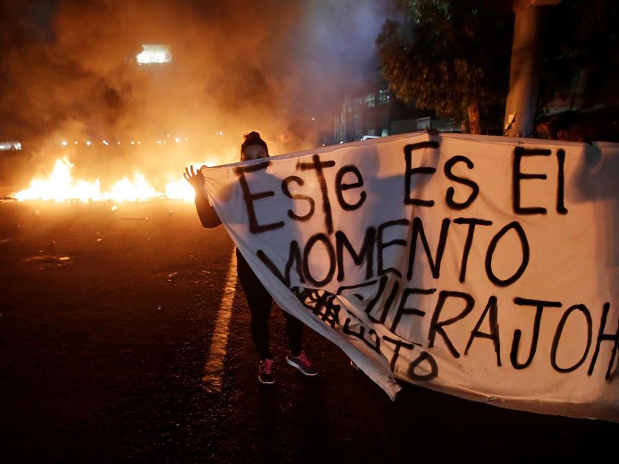 Nueva noche de manifestaciones en Honduras