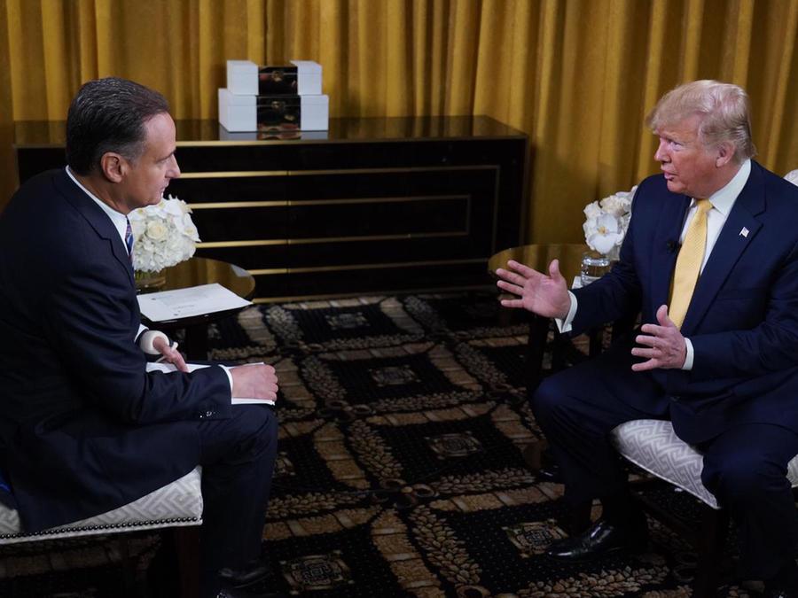 José Díaz-Balart junto con el presidente de EEUU, Donald Trump, durante la entrevista exclusiva que concedió a Noticias Telemundo, la primera con un medio hispano desde que llegó a la Casa Blanca