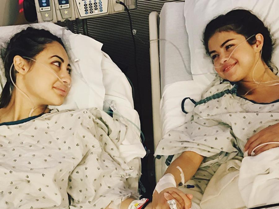 Selena Gomez y Francia Raisa antes del transplante de riñón