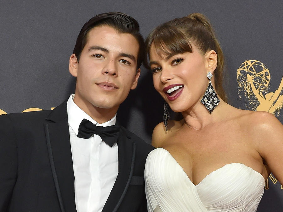 Sofía Vergara y Manolo en Emmys 2017