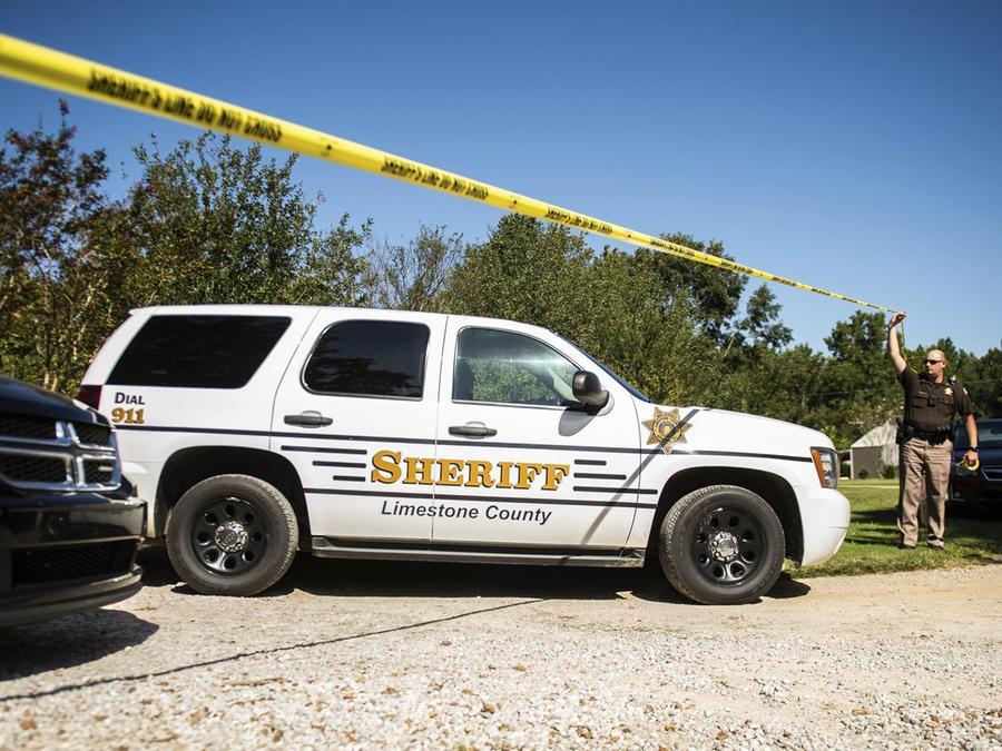 Escena donde un muchacho mató a su familia en Alabama