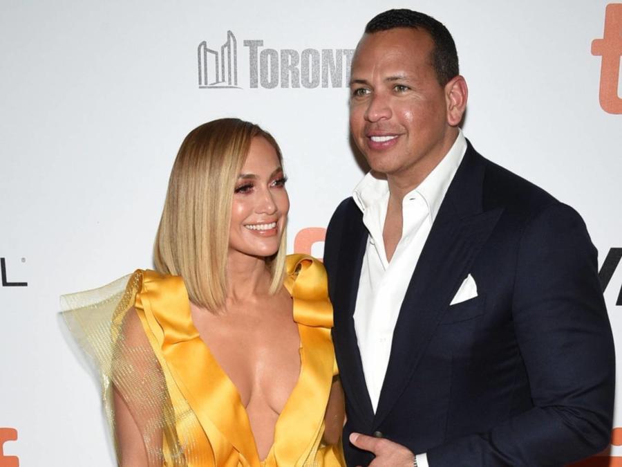 Jennifer Lopez con Alex Rodriguez en el Tiff 2019
