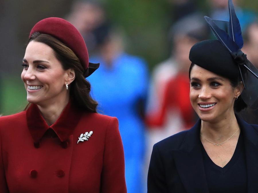 Kate-Middleton-con-Meghan-Markle-en-la-iglesia-de-St-Mary-Magdalene