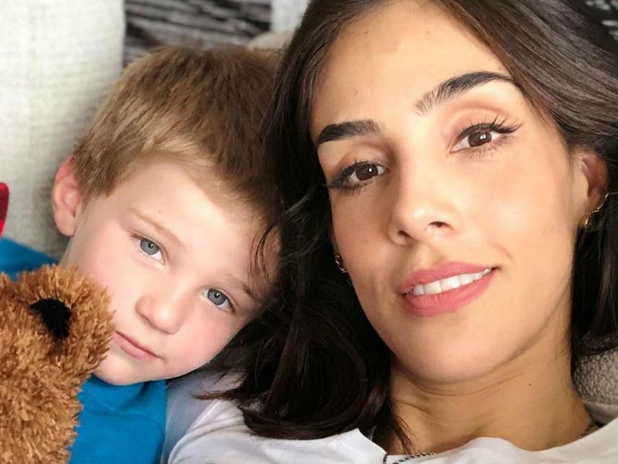 Sandra Echeverría con su hijo Andrés