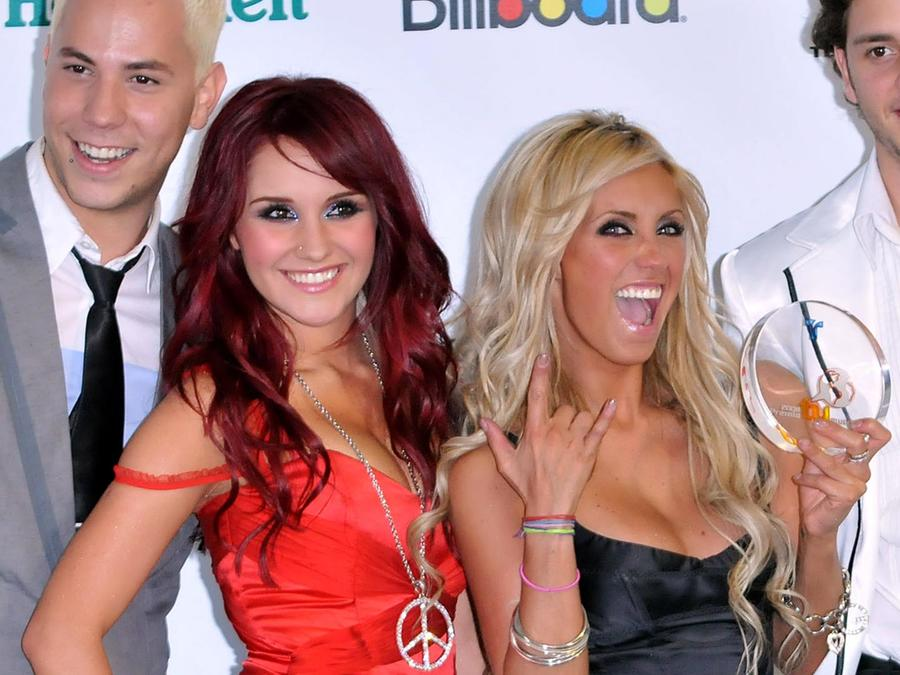 Anahí y dulce María en premios Billboard Latin Music Awards 2008