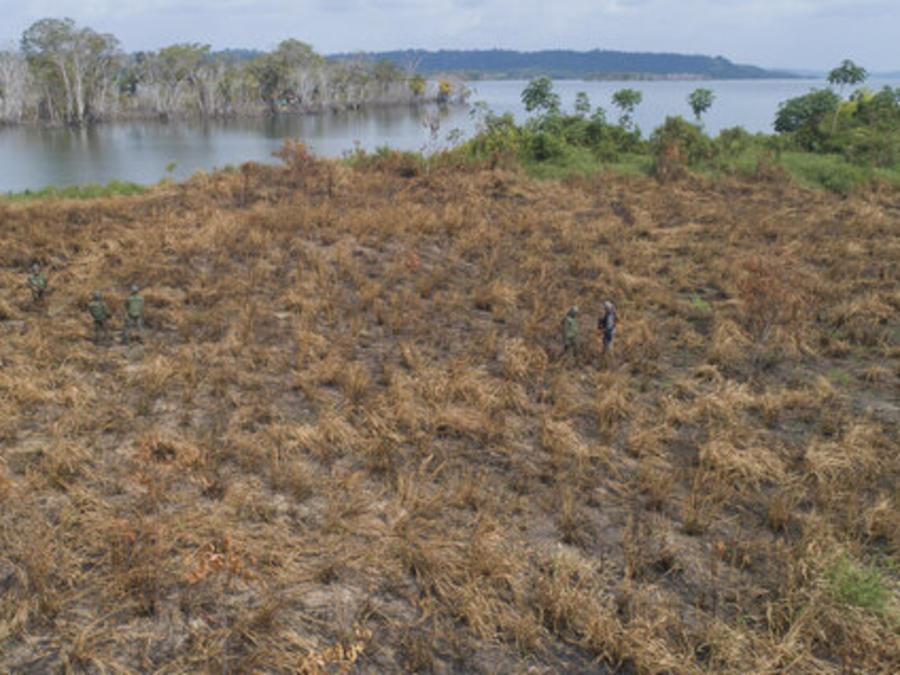 Un patrullaje por Altamira, en el estado brasileño de Pará, para combatir la tala y minería ilegales