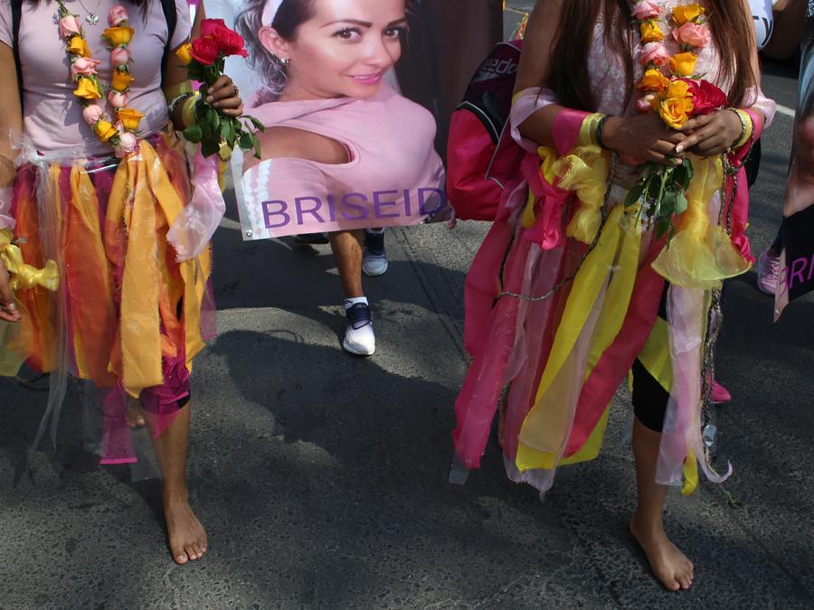 Mujeres activistas denuncian los feminicidios en Ecatepec