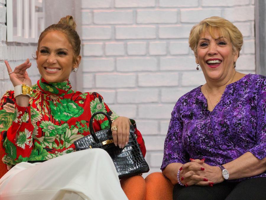 Jennifer Lopez con su mamá, Guadalupe Rodriguez