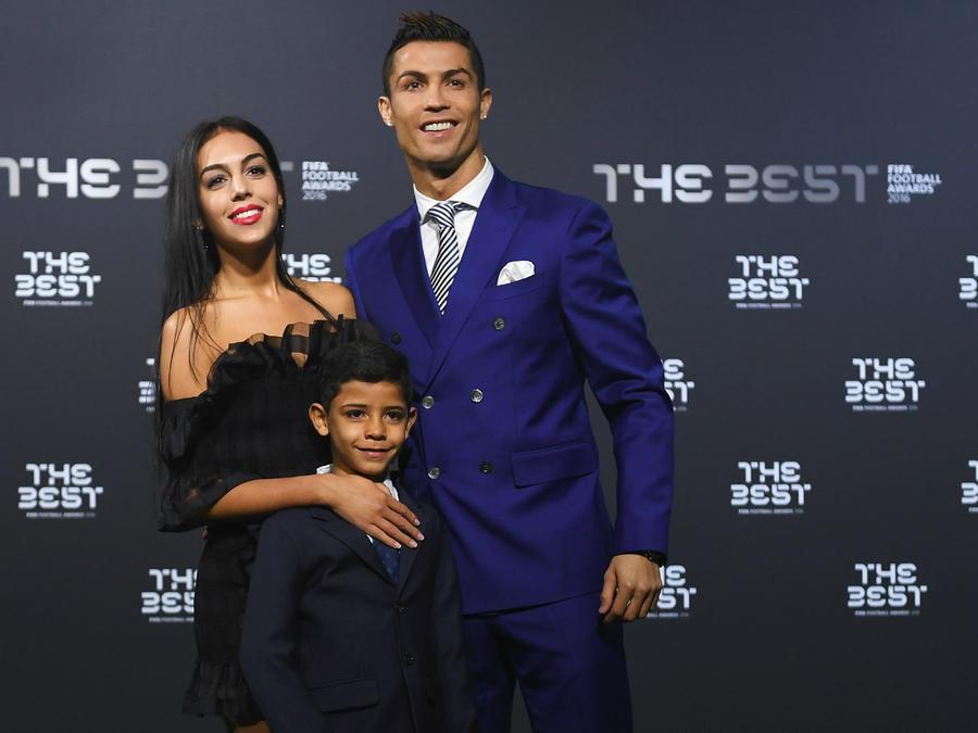 Cristiano Ronaldo con su hijo