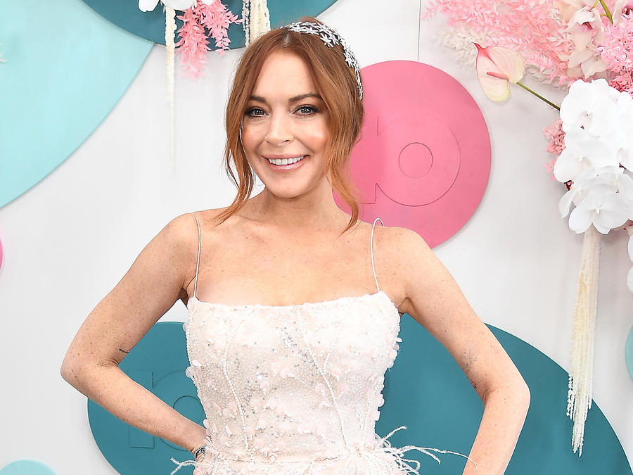 The Internet Reacts To Lindsay Lohan's Video Teasing New Music