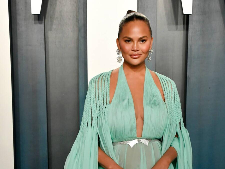 Chrissy Teigen, Vanity Fair Oscar Party 2020