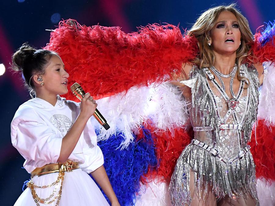 Emme Muniz y Jennifer Lopez SuperBowl