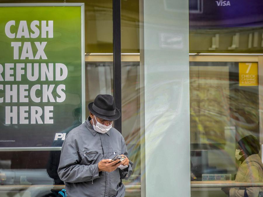 Se espera que el pago directo llegue primero a quienes tienen una cuenta bancaria asignada para depósitos directos con el IRS; el resto, deberá esperar hasta dos semanas.