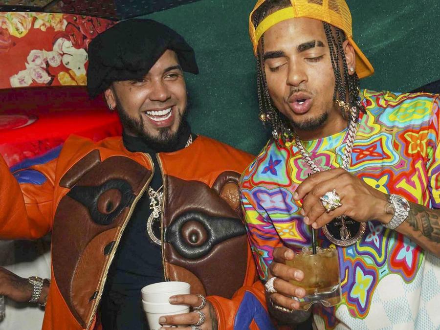 Anuel AA y Ozuana de fiesta en Miami