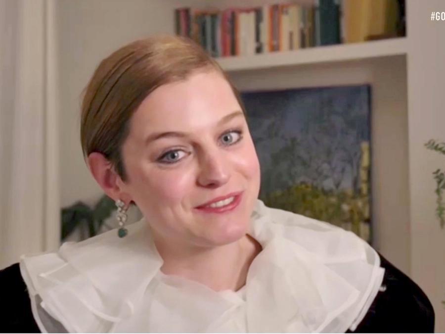 Emma Corrin ganadora de Mejor interpretación de una actriz en una serie de televisión en los Golden Globe Awards 2021