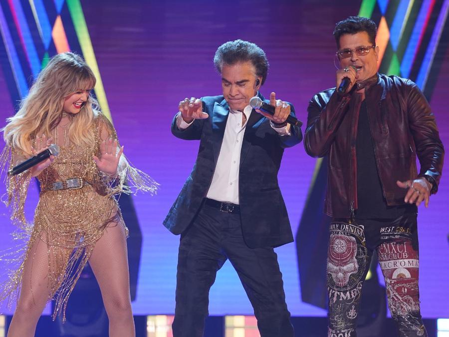 Sofía Reyes, 'El Puma' y Carlos Vives en los Latin American Music Awards 2021