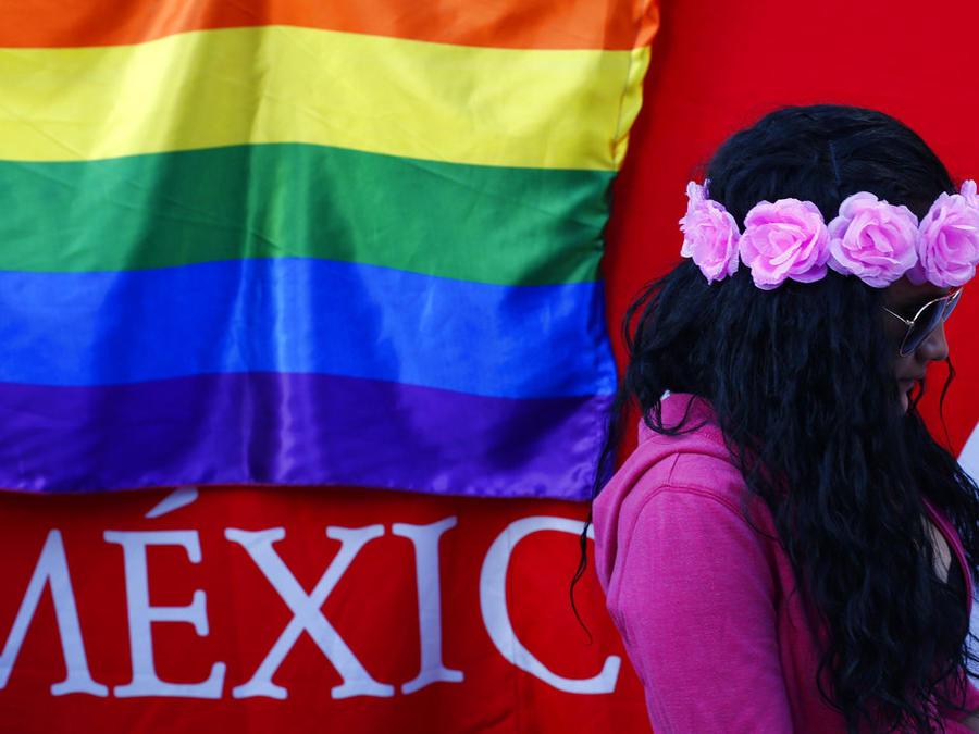 Una mujer que participó en una marcha por el Día Internacional contra la Homofobia, Transfobia y la Bifobia en Ciudad de México, en 2018.