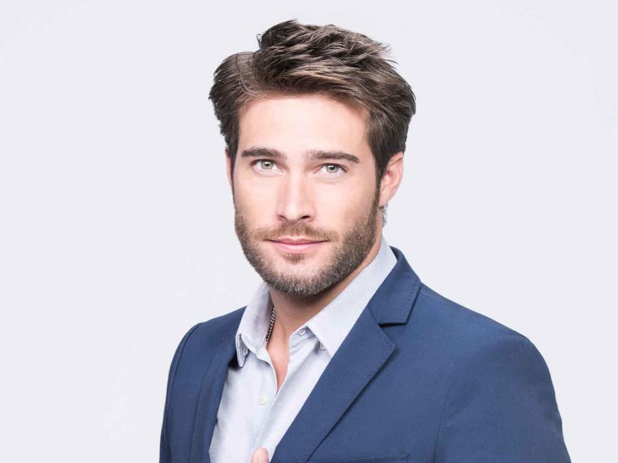 Rodrigo Guirao como Mario Casas
