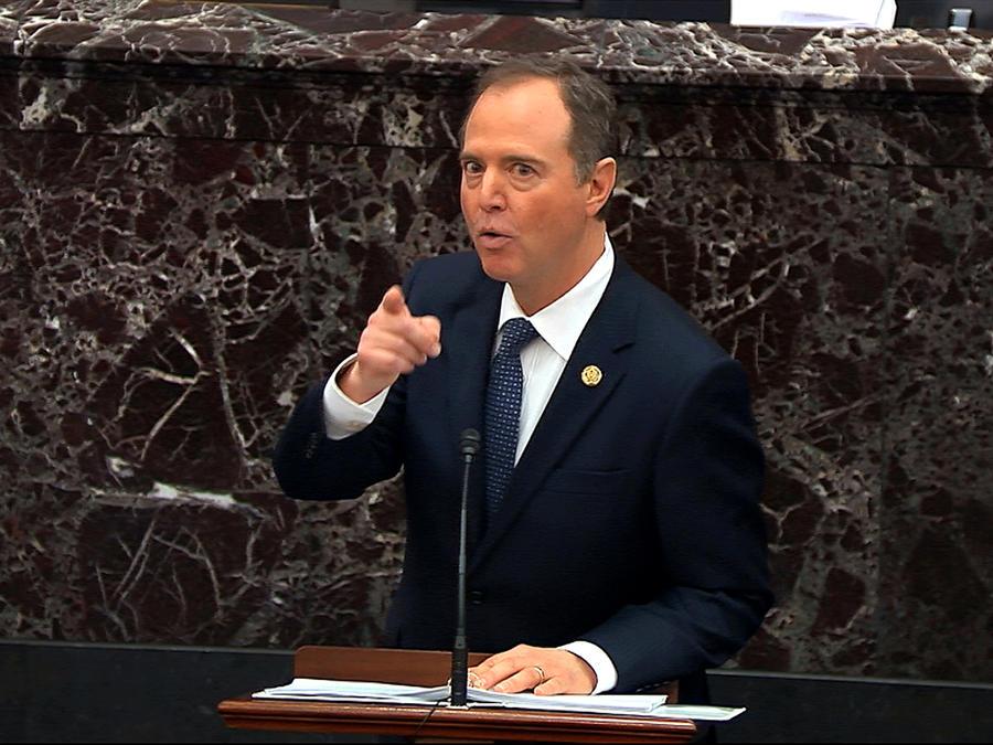 El representante Adam Schiff, demócrata por California, habla durante el juicio de juicio político contra el presidente Donald Trump en el Senado en Washington, 22 de enero de 2020.