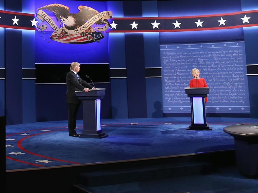 Donald Trump y Hillary Clinton en su primer debate en Universidad Hofstra en Hempstead, New York