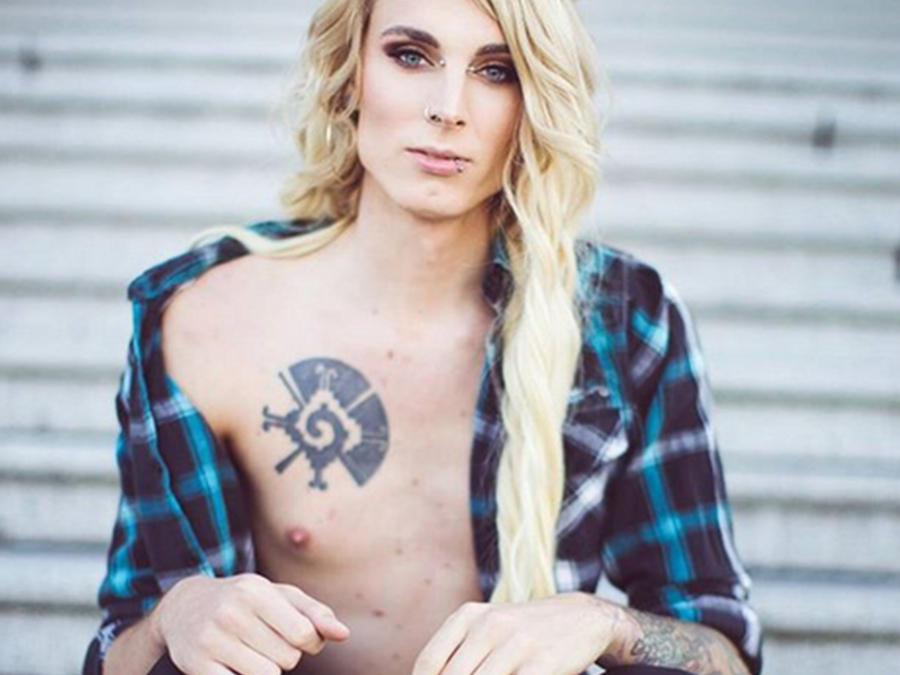 Courtney Demone, el transexual que dasafia las redes sociales